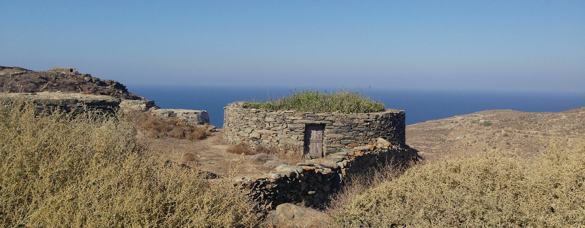 hiking in folegandros - Lemon Tree Houses