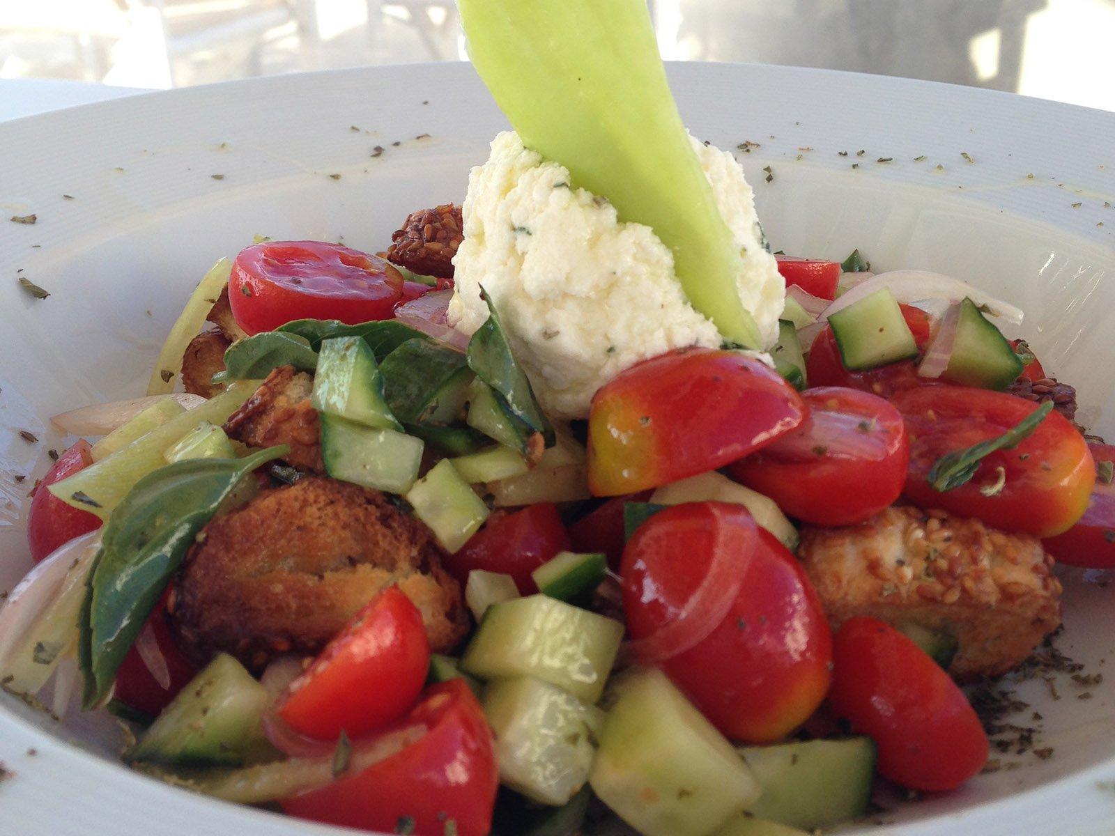 folegandros restaurant - Lemon Tree Houses